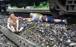 重庆一小伙跳下火车救老太失去一条腿,截肢后称不后悔