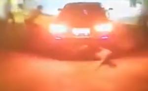 扇人耳光后,男子驾车反复冲撞人群十次