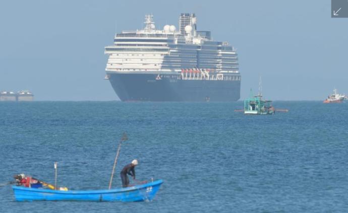 漂泊13天后,柬埔寨终于接纳了这艘被拒绝过五次的邮轮