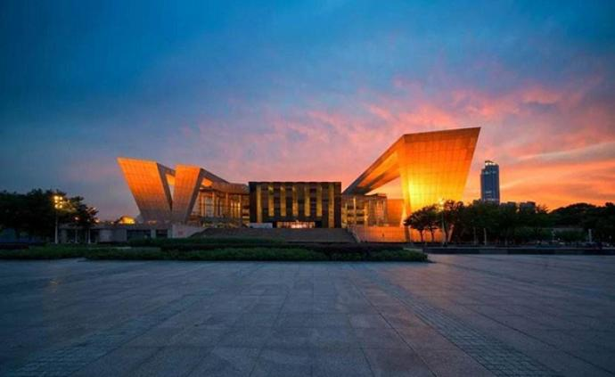 """不能开门迎客,武汉琴台大剧院打造了一个""""空中剧院"""""""