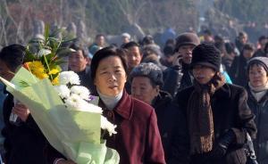 上海迎来今年首波冬至扫墓高峰,祭扫情况安全有序
