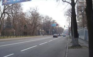 乌克兰国庆日当天首都基辅市中心发生爆炸,两人受伤