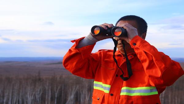 大兴安岭防火瞭望员:28米高的塔上人生