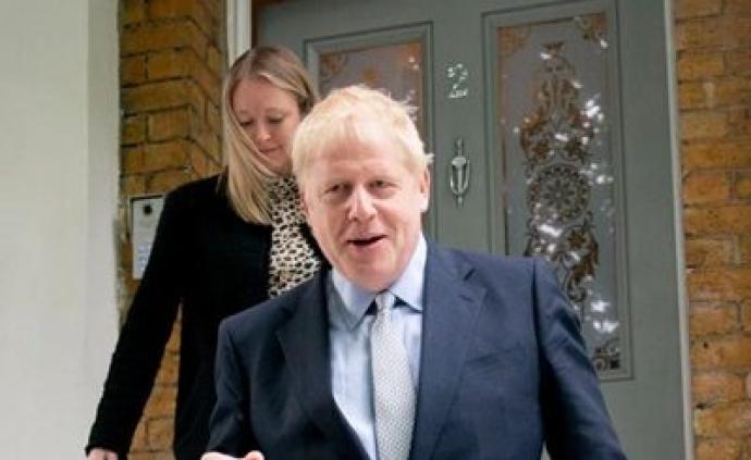 """英首相角逐约翰逊民调领先,对手称若其当选会""""无协议""""脱欧"""